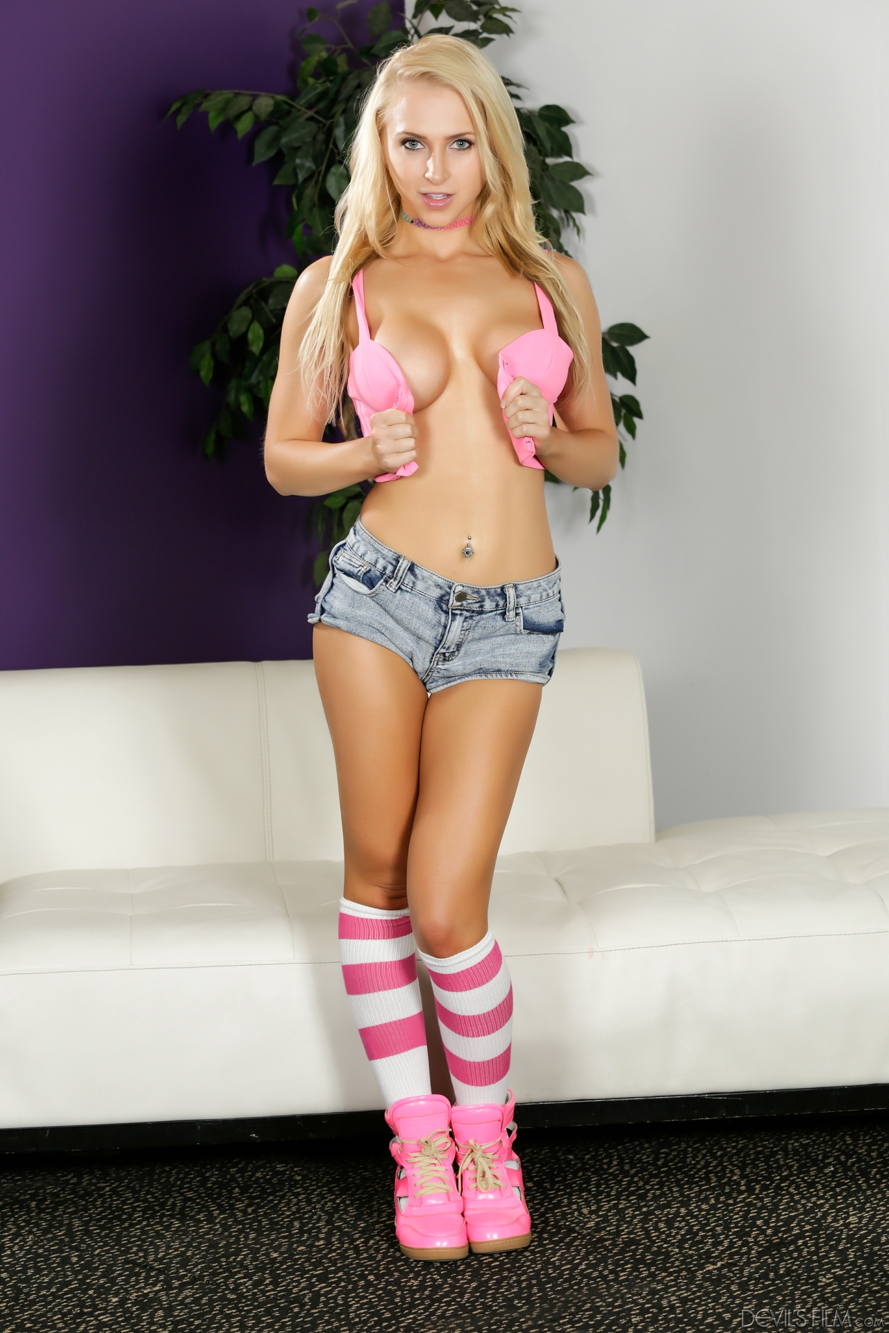 Perfect blonde teen pornstar non nude pinup