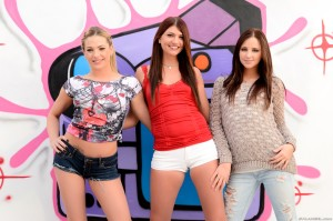 3 sexy girls in short hotpants
