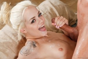 Perfect face of Elsa Jean gets a facial cumshot