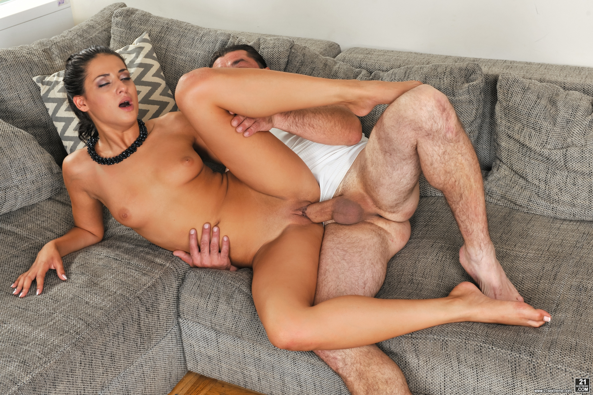 Coco de mal gets her holes filled up with jizz of creampie - 3 5