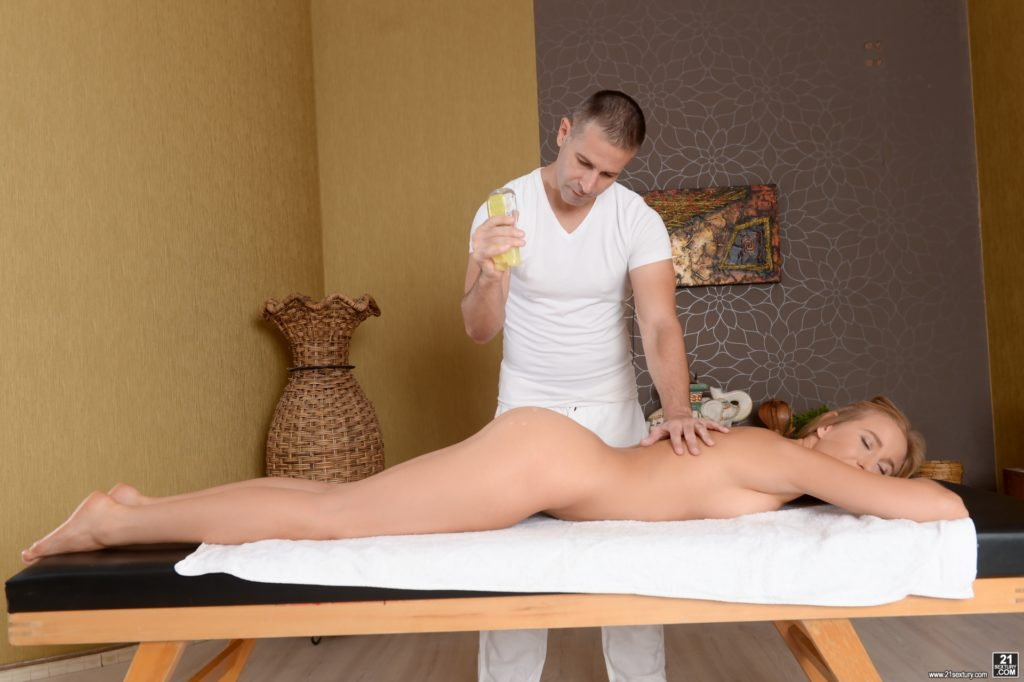 Smooth babe naked on the massage table hd photo