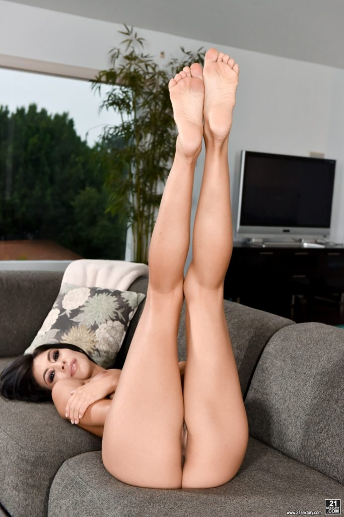 Sexy slim milf with long legs nude hd picture