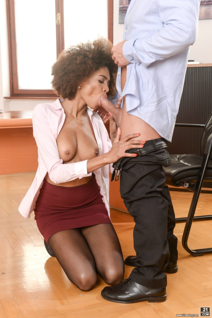 Slim sexy Afro American office babe blowjob